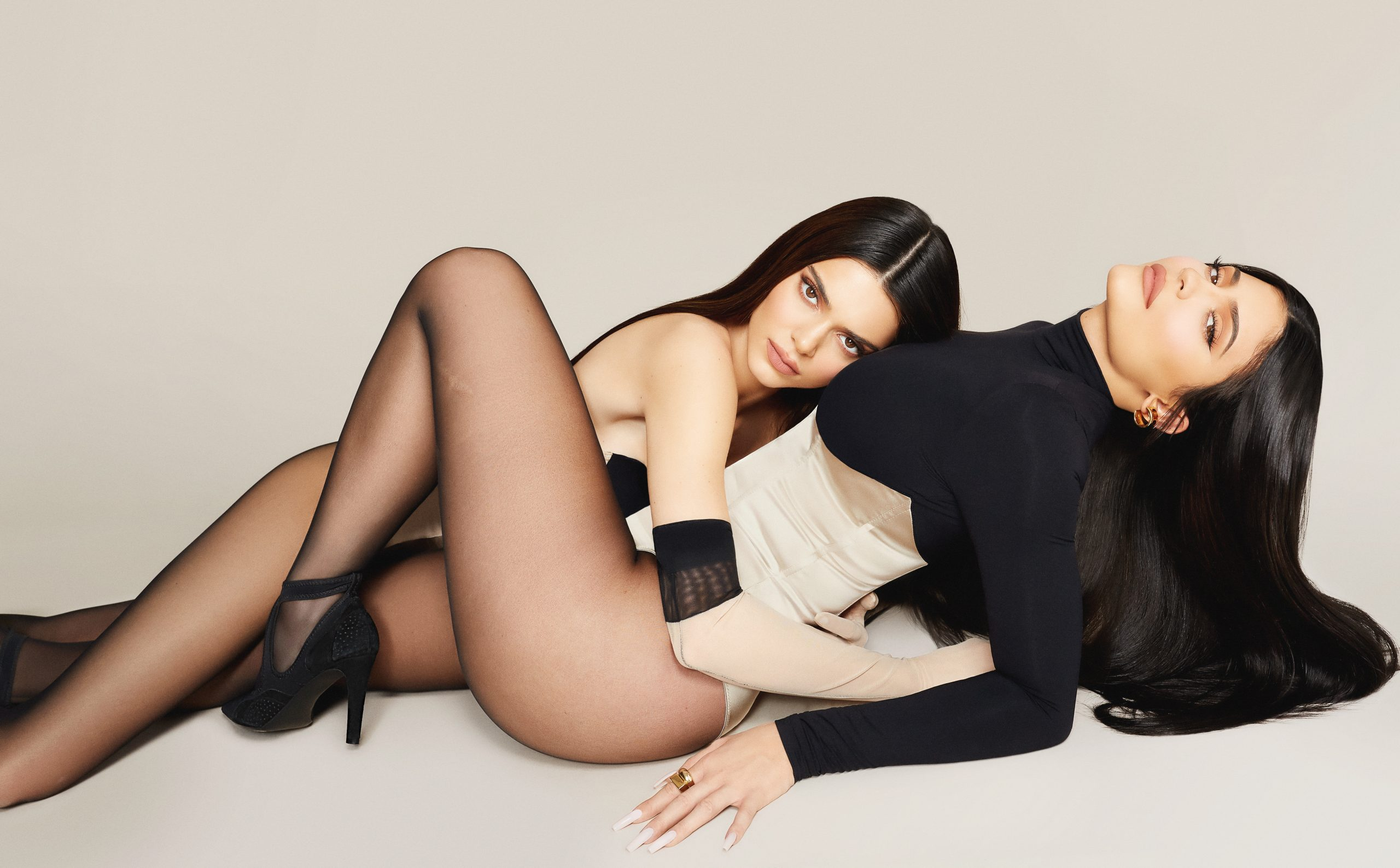 1KENDALL_KYLIE_03_187new