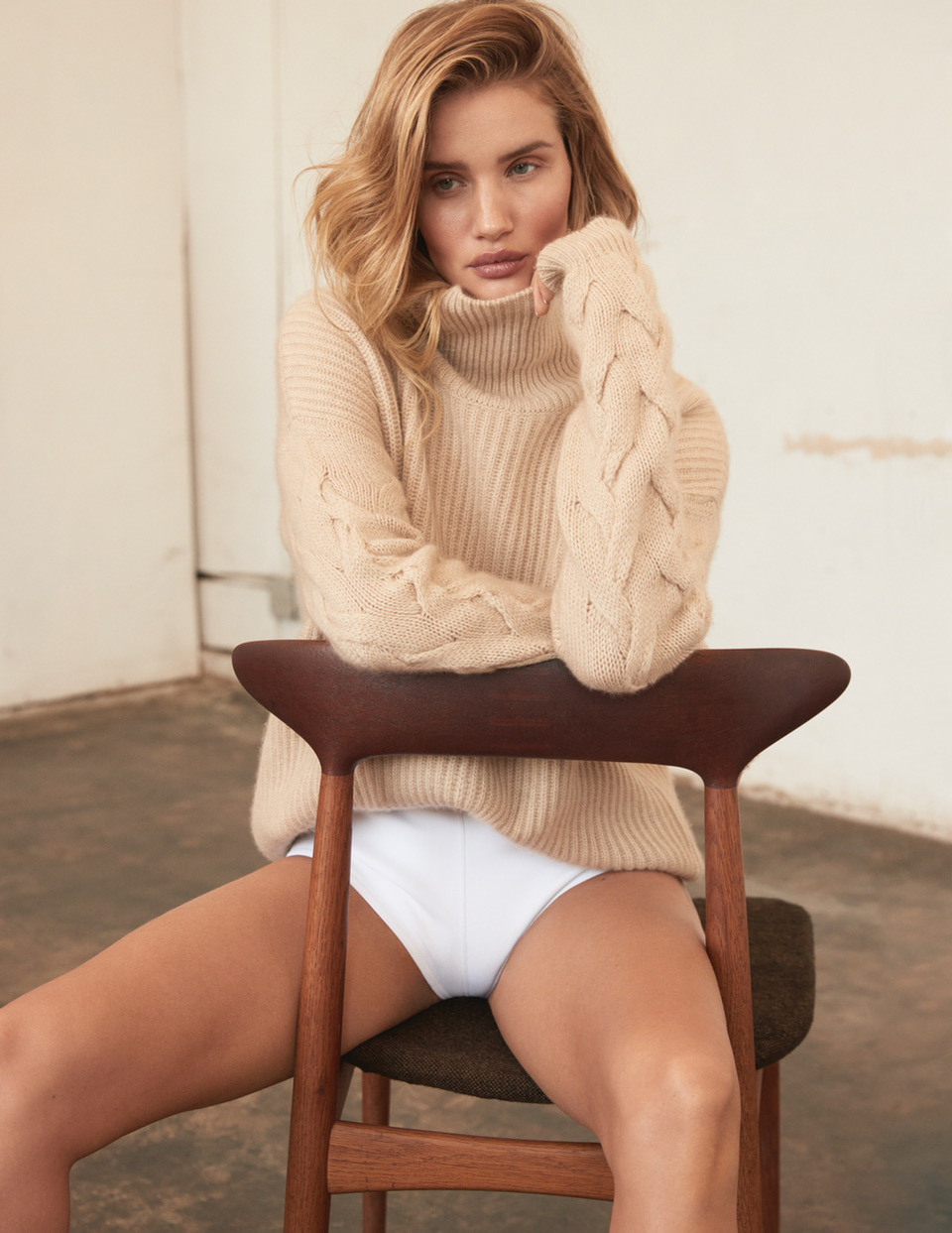 ROSIE_HUNTINGTON_WHITLEY_SHOT_03_051_2514DR_C_ADOBERGB