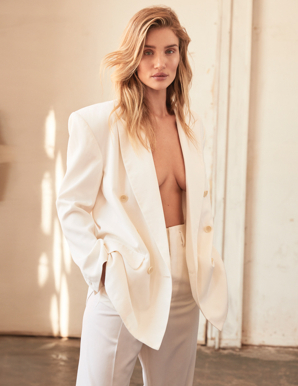 ROSIE_HUNTINGTON_WHITLEY_SHOT_04_029_2514DR_B_ADOBERGB